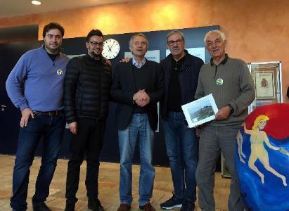 Micky Remann (mitte) mit der Delegation aus San Miniato in der Toskana Therme Bad Sulza