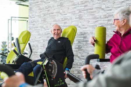 Spaß beim Training: HUR Trainingsgeräte sind Senioren ein sicherer Trainingspartner