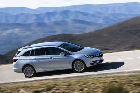 Opel Astra Sports Tourer: The station wagon variant makes its premiere at German dealerships on April 9