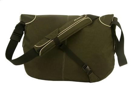 Adjustable shoulder strap with Quick Flick buckle and removable shoulder pad