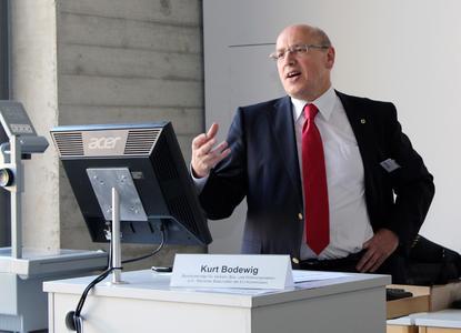 Kurt Bodewig, Bundesverkehrsminister a.D., sieht einen positiven Trend bei der deutschen Logistikwirtschaft