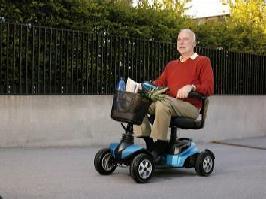 Mini-Scooter Listo von Bechle komplett und zerlegt in seine vier Komponenten
