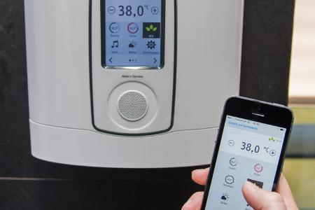 Alles, was auf dem Touch-Display des DHE Connect gezeigt wird und eingestellt werden kann, ist nun auch bequem per App auf dem Sofa oder am Küchentisch verfügbar