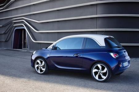 Der neue Opel ADAM - absolut einzigartig: Mit dem neuen ADAM bringt Opel erstmals einen feinen Lifestyle-Stadtflitzer auf den Markt und erschließt damit für die Marke neues Wachstumspotenzial innerhalb des A-Segments. Der Opel ADAM verbindet kraftvolles, muskulöses Design mit beinahe grenzenlosen Möglichkeiten zur Personalisierung