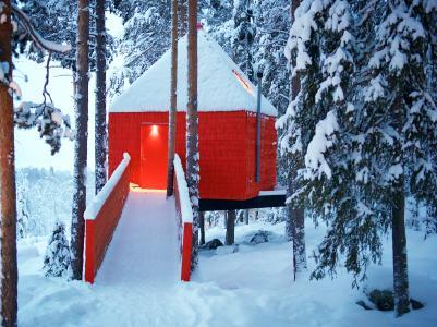 Baumhäuser, Iglus, Eispaläste: Coole Nächte in Schwedisch Lappland