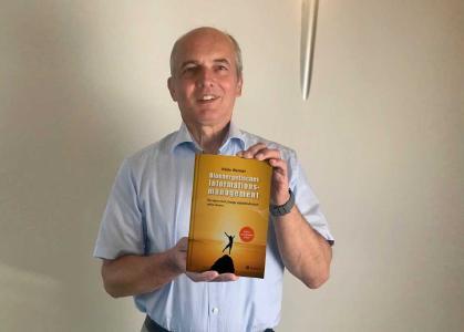 Heiko Wenner präsentiert sein neues Buch mit dem Titel