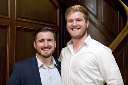 Die Brüder Elias (links im Bild) und Darius Schupp entwickelten eine Online-Werbeplattform für die Verbreitung von Werbevideos und Rabattgutscheinen