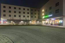 HERECON übergibt Holiday Inn Express in Olching
