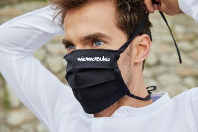 Gut angezogen am Arbeitsplatz: Wie geht das mit Maske im Büro?