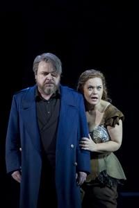Wotan (Markus Marquardt) & Brünnhilde (Eva Johansson), © Tom Schulze