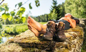 Individualisten wandern im eigenen Tempo – hier auf dem Goldsteig im Bayerischen Wald