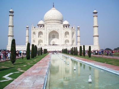 In Indien warten imposante Bauwerke wie das Taj Mahal auf eine Besichtigung / Foto: BFS / Karawane Reisen