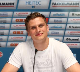 Sergej Gorpishin in Erlangen geboren, freut sich auf den HCE (Foto: HJKrieg, hl-studios, Erlangen)