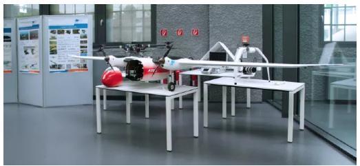 """Die TH Wildau präsentiert auf der Messe auch ihr Kompetenzfeld """"Entwicklung, Konstruktion, Bau und Erprobung sowie Einsatz von unbemannten Kleinflugzeugen bis maximal 25 kg"""""""
