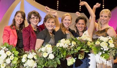 Die sechs Finalistinnen von links: Melanie Hillenbrand, Petra Hammer, Natalie Henninger, Julia Betram, Anna Hochdörffer und Helgard Frey / Quelle: www.deutscheweine.de