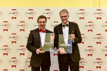 Zweimal ausgezeichnet: AUTOBEST-Gründer Dan Vardie (links) mit Ulrich Schumacher, Geschäftsführer Human Resources und Arbeitsdirektor der Opel Group GmbH.