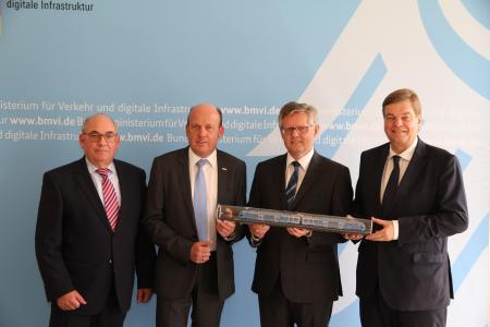 Ferlemann: Wir schicken den ersten Personenzug mit Brennstoffzellentechnologie aufs Gleis