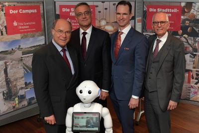Vorstand der Sparkasse Bremen präsentiert Jahresergebnis 2018 vlnr. Dr. Heiko Staroßom, Thomas Fürst, Dr. Tim Nesemann, Joachim Döpp