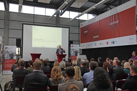 Mehr als 90 Teilnehmerinnen und Teilnehmer kamen zur Eröffnungsveranstaltung am 17. April 2018 nach Cottbus / Fotograf / Quelle TH Wildau / Bernd Schlütter