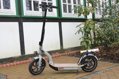 Als erster eScooter mit gültiger Straßenzulassung: Der Metz moover im SeaHelp-Test.
