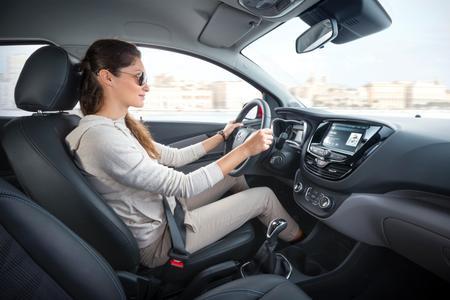 Großzügig: Dank seiner cleveren Raumökonomie bietet der Opel KARL reichlich Platz