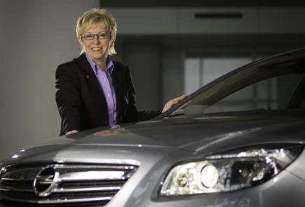 """Für das Sicherheitslichtsystem AFL+ erhält Opel von der Allianz Deutschland AG den """"Genius 2010"""""""