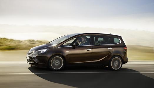 Vier Weltpremieren stehen im Mittelpunkt des Opel-Auftritts auf der 64. Internationalen Automobil-Ausstellung in Frankfurt am Main (15. bis 25. September). Eine der Weltpremieren ist der neue Zafira Tourer, der mit dem völlig überarbeiteten Flex7-Sitzkonzept neue Standards für Innenraumvariabilität und -atmosphäre definiert
