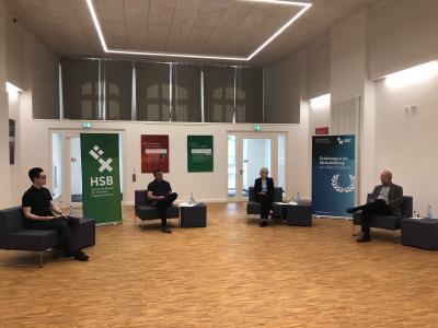 Diskussionsrunde (v.r.n.l.): Prof. Dr. Andreas Dotzauer, Dr. Imke Sommer, Prof. Dr. Evren Eren und Dr. Dennis-Kenji Kipker, Foto: Hochschule Bremen