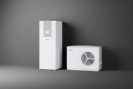 Der Modernisierungsklassiker: Die außenaufgestellte Luft-Wasser-Wärmepumpe WPL 25 installationsfreundlich kombiniert mit dem Integralspeicher HSBC