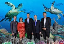 NZ Prime Minister takes home some 'Magic Memories' after visit to SEA LIFE London Aquarium