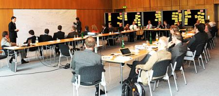 """Ziel des Forschungsprogramms """"Die Straße im 21. Jahrhundert"""" ist die umfassende funktionale Weiterentwicklung der Straße (Bild: BASt)"""