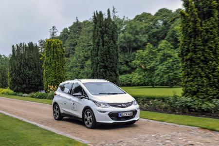 Umweltfreundlich unterwegs: Das innovative Elektroauto Opel Ampera-e auf der 8. Nordeuropäischen E-Mobil Rallye