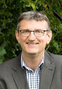 Professor Dr. Wolfgang Stelze