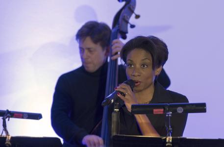 Christmas Jazz - Christina Clark und Michael Giesen / Foto: Saad Hamza