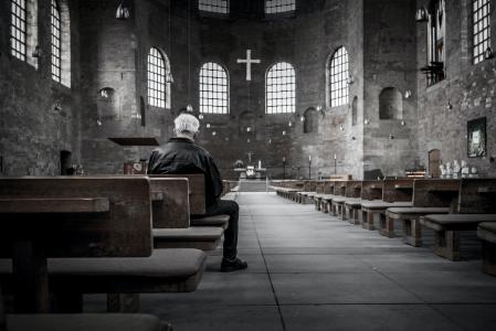 Nur noch 51 Prozent der Einwohner in Deutschland sind Mitglied in einer der beiden großen Kirchen