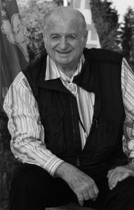 Dr. Hans Riegel