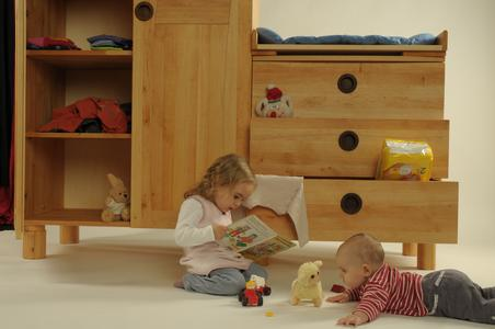 WDL Kinderschrank und Kommode in FSC-Erlenholz