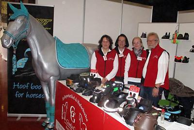 GG Reitsportartikel - Das Team des Hufschuh-Onlineshops. L.i.B. Gisela Gesk.