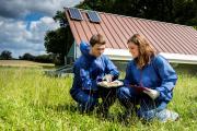 Die AG Nutztierwissenschaften der Hochschule Osnabrück spendet Kopfhauben, Handschuhe und Überziehschuhe sowie Overalls zur Bekämpfung des Coronavirus an die Region Osnabrück / Foto: Oliver Pracht