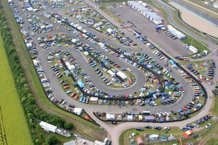 Klappe, die 18.: Über 70.000 Opel-Fans tummeln sich während der fünf Tage ab dem 29.05.2013 auf dem Gelände der Motorsport-Arena Oschersleben