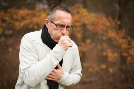 Husten wegen Bronchitis ©SymbioPharm GmbH