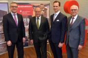 Der Vorstand der Sparkasse Bremen (v.l.n.r.): Thomas Fürst, Dr. Heiko Staroßom, Dr. Tim Nesemann (Vorsitzender) und Joachim Döpp