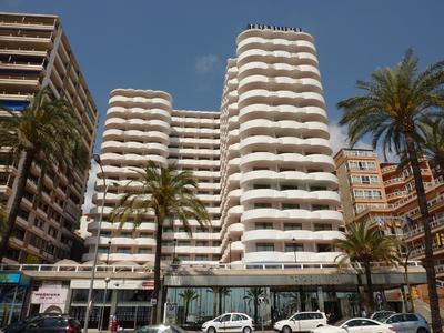 Neuer Reisetrend im Spätherbst: Sonniges Weihnachtsshopping auf Mallorca