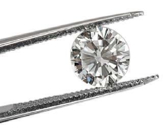 Diamant in Pinzette