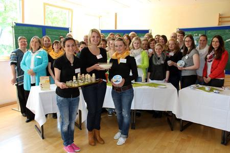 Setzen sich für eine gesunde Schulverpflegung ein: Schülerinnen der BBS Haste und Studierende der Hochschule Osnabrück