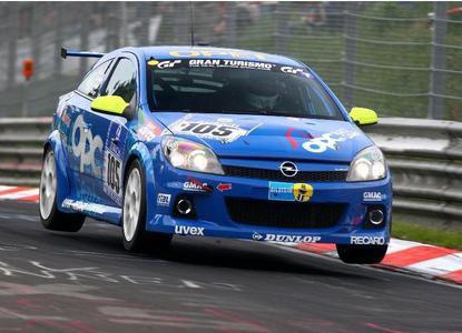 Rennversion des Opel Astra OPC beim beim 24h-Rennen 2008 auf dem Nürburgring