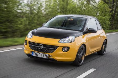 Opel ADAM BLACK JACK: Designer-Stück: Dach, Außenspiegel und auch die Motorhaube sind beim Opel ADAM BLACK JACK in Onyx Black lackiert