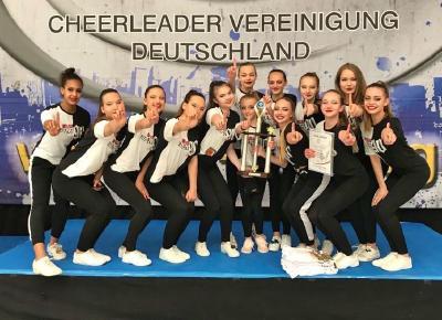 Cheerleading-Show mit Cheerleadern des FT 1844 Freiburg