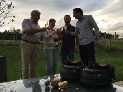 Swiss Galoppers - Auf den 1. Geburtstag wird angestossen