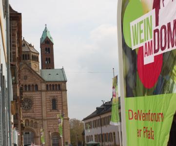 WeinamDom 14.4.2019 Dom, Quellennachweis: Pfalzwein/Sauter